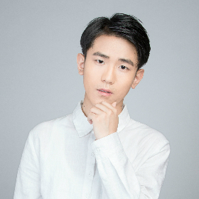 高级设计师-吴京