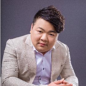 首席设计师-黄友斌