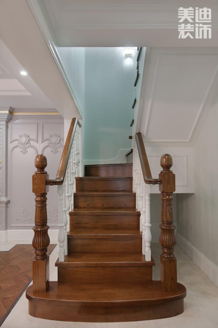 五矿沁园金城300平方米法式风格亚博体育app官方下载苹果效果图--楼梯