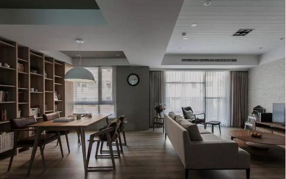 家里亚博体育app下载安装是铺地板好还是瓷砖好?