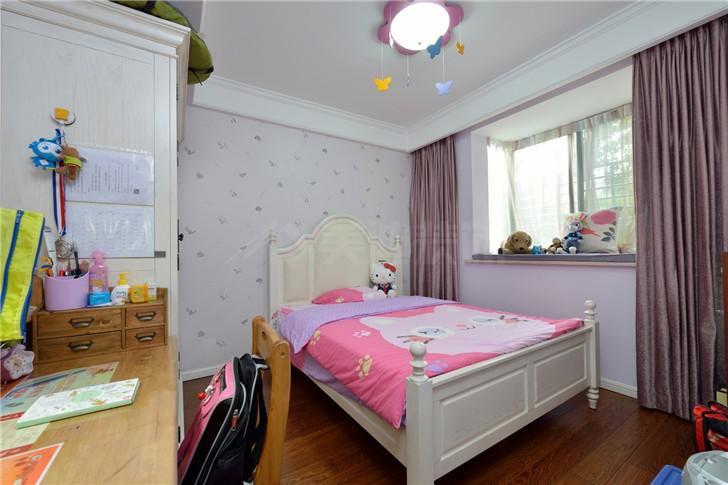 中房瑞致国际110平美式风装修案例图—卧室