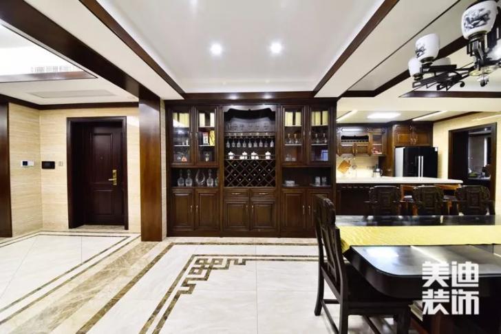 天玺湾300平米新中式风格装修案例实拍图--餐边柜